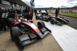 Джузеппе Чиприани, Il Barone Rampante, и Ю Канамару, RP Motorsport