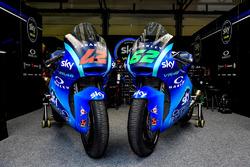 Les motos de Stefano Manzi, Sky Racing Team VR46 et Francesco Bagnaia, Sky Racing Team VR46 avec la livrée