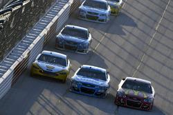 Joey Logano, Team Penske Ford, Jimmie Johnson, Hendrick Motorsports Chevrolet, Jamie McMurray, Chip Ganassi Racing Chevrolet