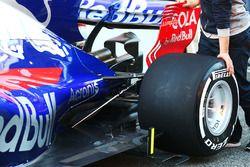 Detalle de la suspensión trasera del Scuderia Toro Rosso STR12