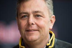 Марио Изола, гоночный менеджер Pirelli