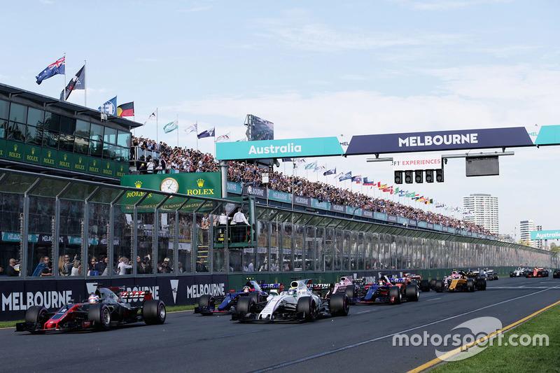 Romain Grosjean, Haas F1 Team VF-17, Felipe Massa, Williams FW40