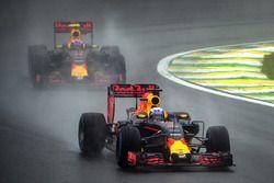 Daniel Ricciardo, Red Bull Racing RB12, Max Verstappen, Red Bull Racing RB12