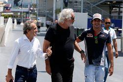 Alain Prost, Renault Sport F1 Team Special Advisor, Flavio Briatore, Carlos Sainz Jr., Scuderia Toro