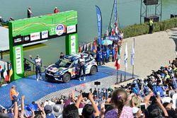 Podio: secondi Sébastien Ogier, Julien Ingrassia, Volkswagen Polo WRC, Volkswagen Motorsport