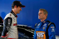 Joey Logano, Team Penske Ford, Bobby Labonte, Joe Gibbs Racing Toyota