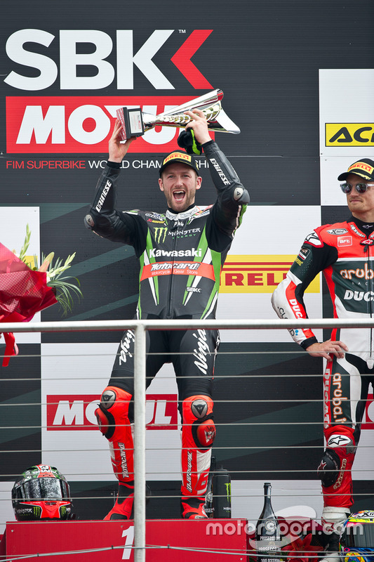 Tom Sykes, Kawasaki Racing Team, sur le podium