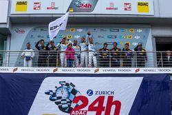 Podio: primer lugar #4 AMG-Team Black Falcon, Mercedes-AMG GT3: Bernd Schneider, Maro Engel, Adam Christodoulou, Manuel Metzger, segundo lugar #29 AMG-Team HTP Motorsport, Mercedes-AMG GT3: Christian Vietoris, Marco Seefried, Christian Hohenadel, Renger Van der Zande, tercer lugar #88 Haribo Racing Team-AMG, Mercedes-AMG GT3: Uwe Alzen, Lance David Arnold; Maximilian Götz, Jan Seyffarth