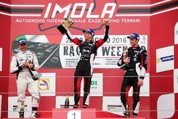 Podio Gara 2: il vincitore Mattia Drudi, Dinamic Motorsport - Modena, il secondo classificato Gianlu