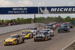 Green flag for the start of the NASCAR Pinty's Series at CTMP