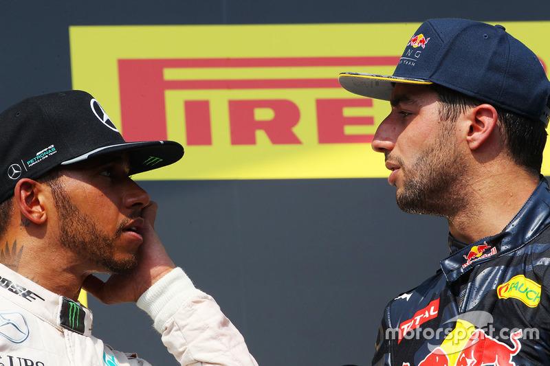 Podyum: Kazanan Lewis Hamilton, Mercedes AMG F1 ve üçüncü Daniel Ricciardo, Red Bull Racing