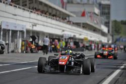 pit lane, Joel Eriksson, Motopark Dallara F312 – Volkswagen