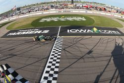 Josef Newgarden, Ed Carpenter Racing Chevrolet takes the checkered flag
