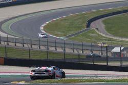 #666 Vincenzo Sospiri Racing Srl Lamborghini Huracan Super Trofeo: Jia Tong Liang, Jaap Bartels, Dan