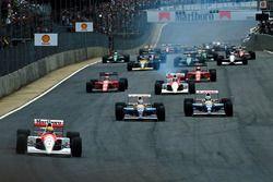 Départ : Ayrton Senna, McLaren mène