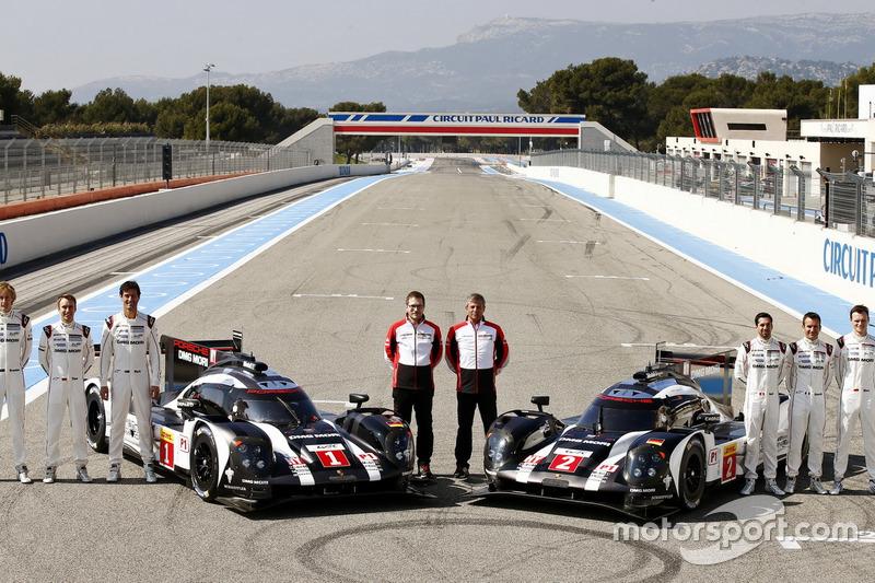 Porsche Team: Brendon Hartley, Timo Bernhard, Mark Webber, Andreas Seidl; Fritz Enzinger, LMP1 Direc