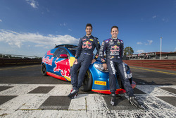 Daniel Ricciardo, Red Bull Racing, pilote une V8 Supercar avec Jamie Whincup, Triple Eight Race Engineering