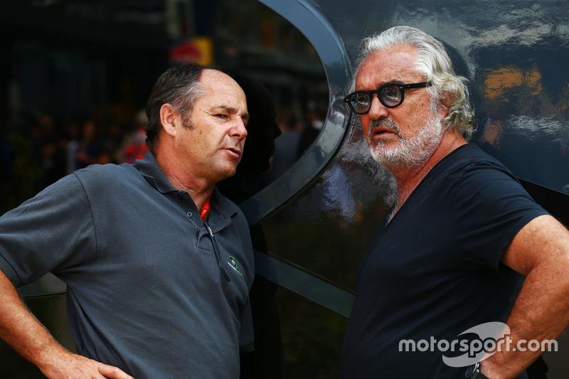 (Зліва направо): Герхард Бергер, з Флавіо Бріаторе