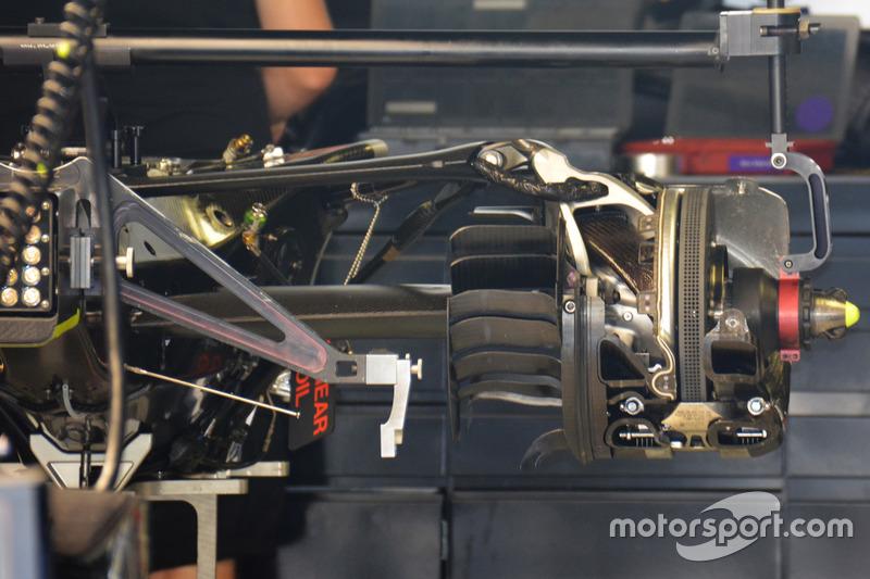 Mercedes AMG F1 W07 Hybrid: Getriebe und Aufhängung