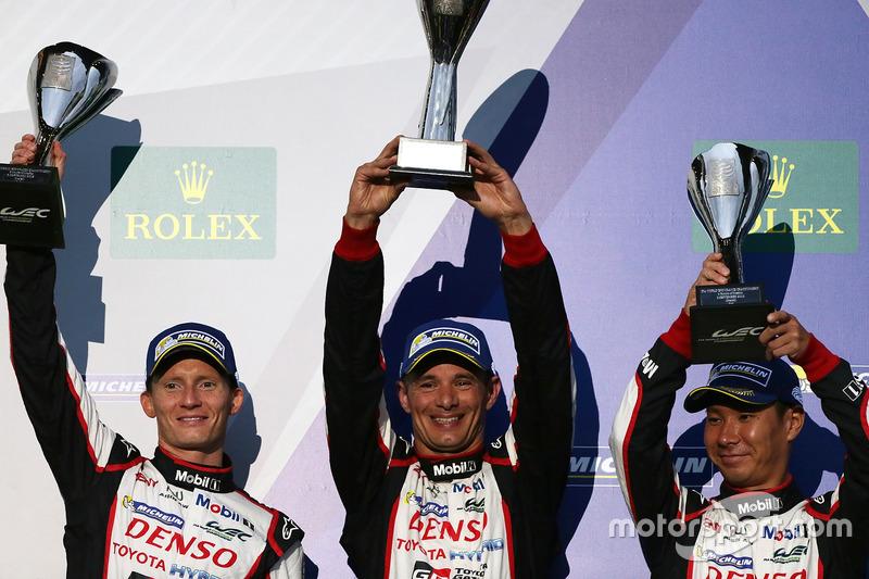 Third place Stéphane Sarrazin, Mike Conway, Kamui Kobayashi, Toyota Racing