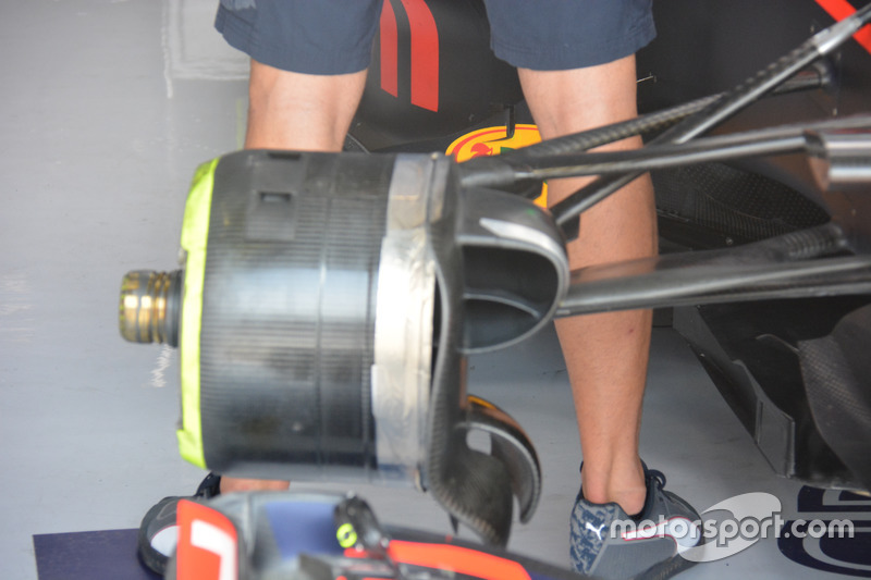 Daniel Ricciardo, Red Bull Racing RB12, Front brake