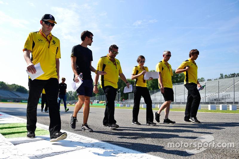 Jolyon Palmer, Renault Sport F1 Team, pist yürüyüşü