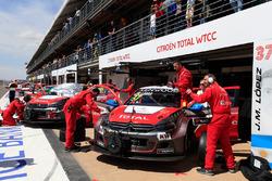 Le garage Citroen World Touring Car Team