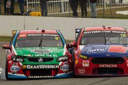 Jason Bright, Brad Jones Racing Holden ve Fabian Coulthard, Team Penske Ford