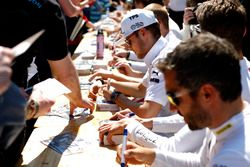 Tom Blomqvist, BMW Team RBM, BMW M4 DTM di autograph session