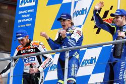 Podio: ganador de la carrera Sete Gibernau Telefónica Movistar Honda; Valentino Rossi, del equipo Repsol Honda el segundo lugar y tercer lugar a Alex Barros, Gauloises Yamaha equipo