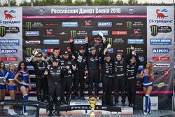 Подиум командный - FailCrew Toyo Tires Gorilla Energy Techno Cartel-Valvoline Drift Team