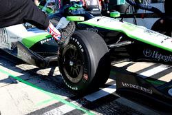Des chaussettes en hommage à Justin Wilson dans les stands de Conor Daly, Dale Coyne Racing Honda