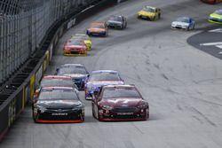 Denny Hamlin, Joe Gibbs Racing Toyota, Ryan Blaney, Wood Brothers Racing Ford