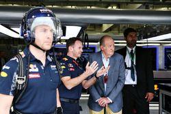 Король Испании Хуан Карлос и Кристиан Хорнер, руководитель Red Bull Racing