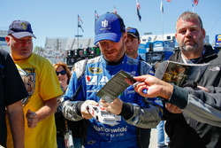 Dale Earnhardt Jr., Hendrick Motorsports Chevrolet signing autographs
