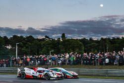 #6 Toyota Racing Toyota TS050 Hybrid: Stéphane Sarrazin, Mike Conway, Kamui Kobayashi, #51 AF Corse
