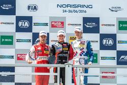 Rookie, Podium: Guanyu Zhou, Motopark Dallara F312 - Volkswagen, Anthoine Hubert, Van Amersfoort Rac