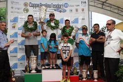 Podio: il secondo classificato Christian Merli, il vincitore Simone Faggioli, il terzo classificato Domenico Scola
