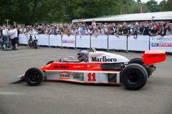 Charles Nearburg im McLaren-Cosworth M23