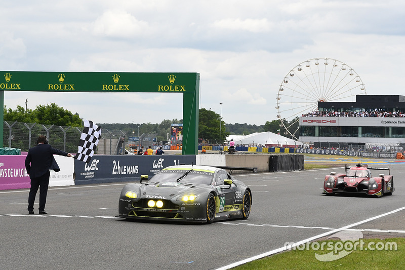 Damalı Bayrak: #97 Aston Martin Racing Aston Martin Vantage: Richie Stanaway, Fernando Rees, Jonatha