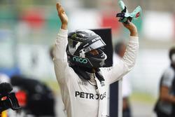Ganador d ela pole Nico Rosberg, Mercedes AMG F1 W07 Hybrid