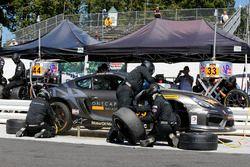 #33 CJ Wilson Racing Porsche Cayman GT4: Daniel Burkett, Marc Miller, pit action