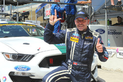Ganadores de la pole #15 Multimatic Motorsports Ford Shelby GT350R-C: Scott Maxwell, Billy Johnson