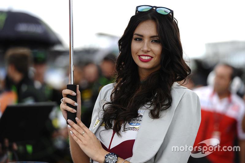 Чарівна дівчина Marc VDS Racing