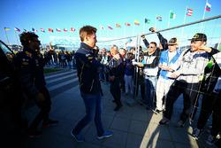 Daniel Ricciardo, Red Bull Racing met fans