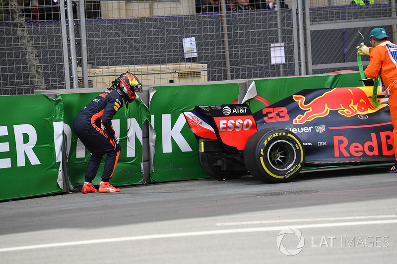 Max Verstappen, Red Bull Racing RB14 kaza