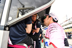 Sergio Perez, Force India and Bernie Collins, Force India Strategy Engineer