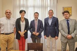 Orlando Perez, technical director of the Tenerife Government and technical coordinator of the Circuit del Motor, Cristo Pérez, Sports Minister, Carlos Alonso, president of the Government of Tenerife, Walter Sciacca, motorsport adviser to the Tenerife Government, and Antonio Marichal, Minister for Innovation, Culture, Education and Sports