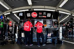 Christopher Bell, Joe Gibbs Racing, Rheem Toyota Camry crew