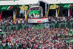 Podium: winnaar Max Verstappen, Red Bull Racing, tweede Valtteri Bottas, Mercedes AMG F1, derde Kimi